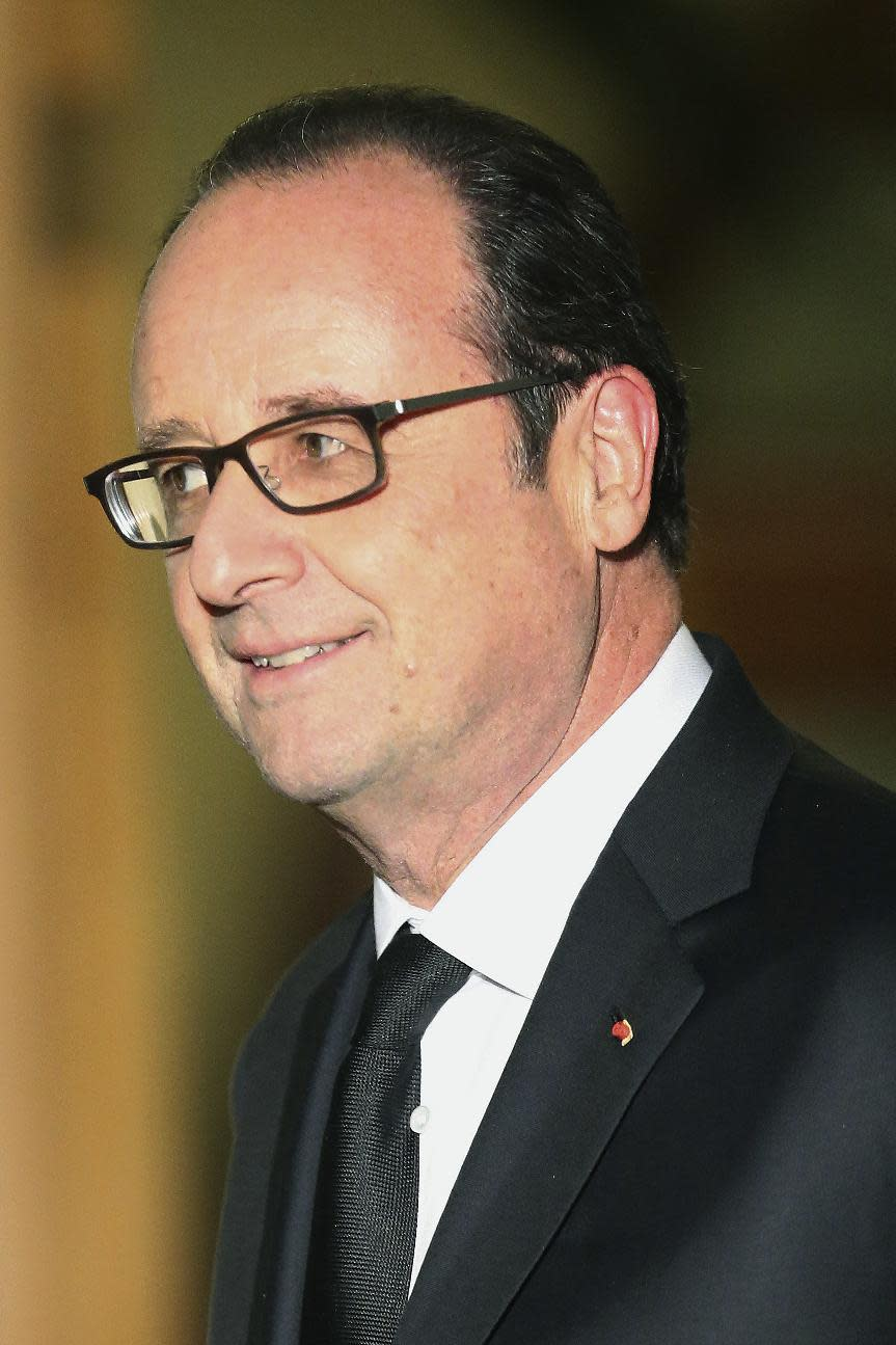 French president offers support to key Cyprus peace talks