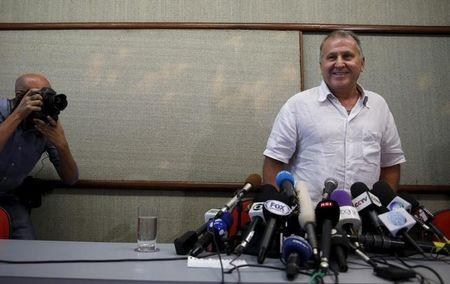 Zico appeals to FIFA rivals for early debate