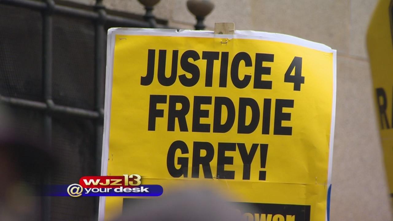 Judge refuses to drop charges against police in Gray death
