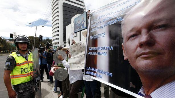 The People of Ecuador Can't Wait for Julian Assange to Arrive