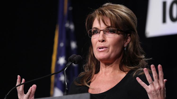 Alaska's Palin lukewarm on Christie talk for 2016