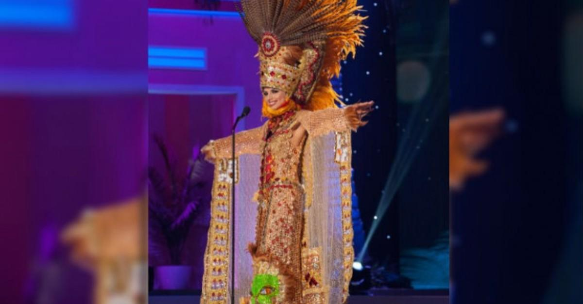 39 Most Outrageous National Costumes
