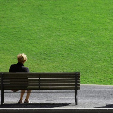 Women-alone-on-bench_web
