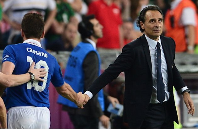Italian Headcoach Cesare Prandelli (R) Shakes AFP/Getty Images