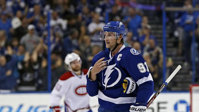 Stamkos scores 3, Lightning rout Canadiens 7-1