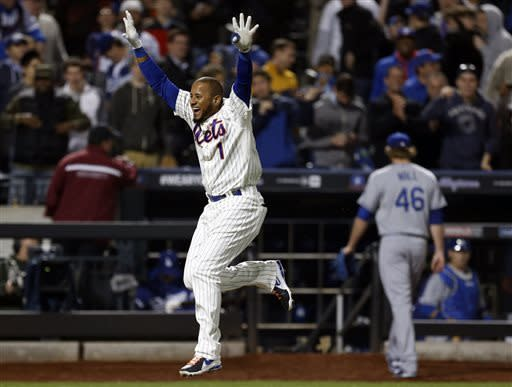 Valdespin slams Dodgers in 10th, Mets win 7-3