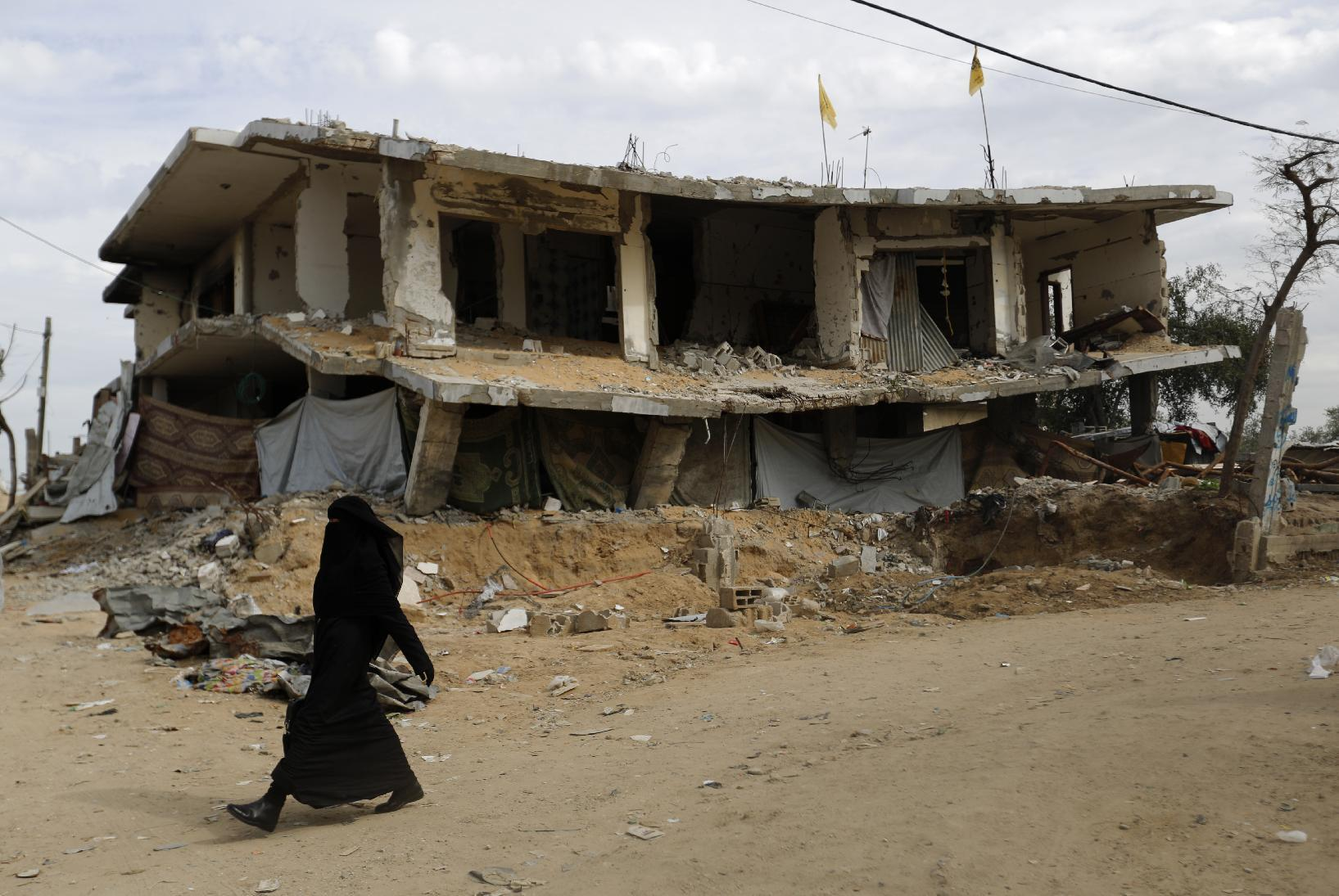 Rights group chides Israel 'policy' of bombing Gaza homes