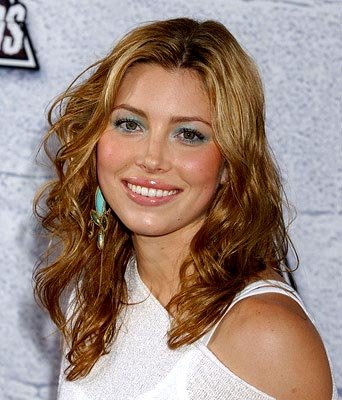 Jessica Biel helped remake The Texas Chainsaw Massacre.  People liked that. MTV Movie Awards - 6/5/2004
