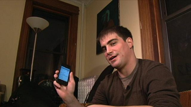 Man Sets Online Dating Honey Trap to Recover iPhone