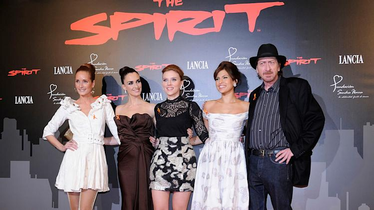 The Spirit benefit cocktail party Madrid Spain 2008 Sandra Ibarra Pez Vega Scarlett Johnasson Eva Mendes Frank Miller