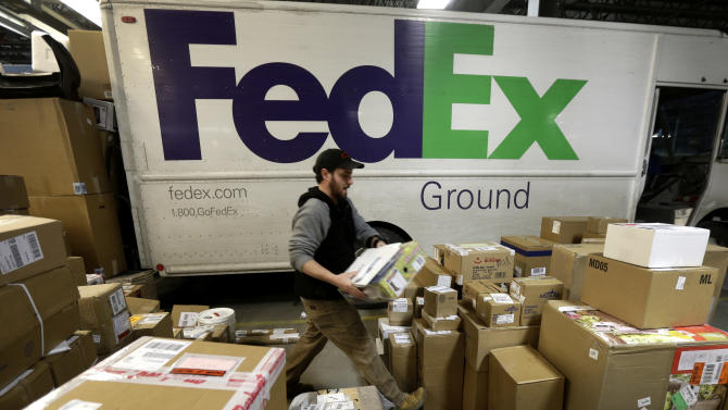 Santa's sleigh delayed after snags at UPS, FedEx