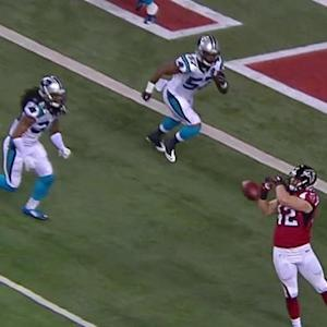 Atlanta Falcons fullback Patrick DiMarco drops the ball on an easy catch and score