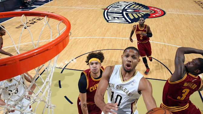 Davis, Pelicans rally to beat Cavaliers 104-100