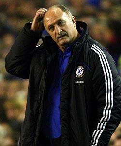Skies aren't blue for Scolari, Chelsea