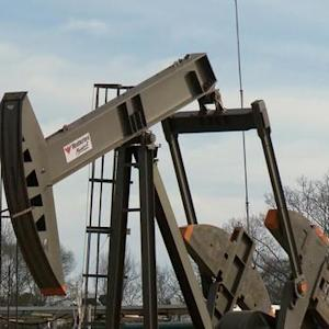 Fracking industry pinched by drop in oil prices
