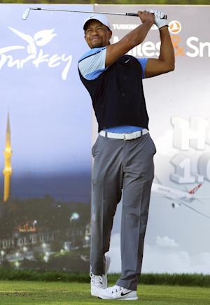 Woods shoots 63 to trail Turkish Open leaders by 1