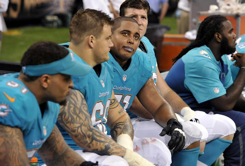 AP sources: Incognito sent racist texts
