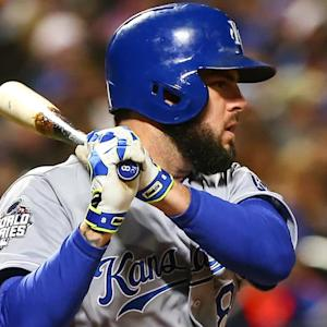Mike Moustakas signs two-year deal with Royals to avoid arbitration