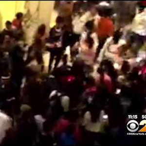 Mob Of Teen Girls Breaks Out In Fight In Mall Near Pittsburgh
