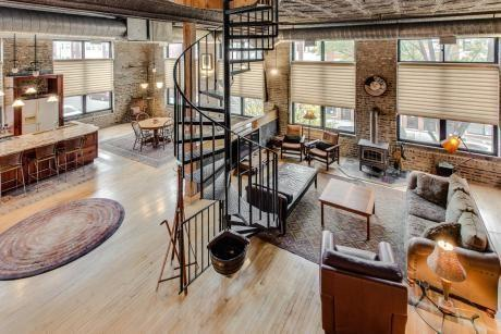 Rent This Really Neat Furnished Pilsen Loft for $1,750