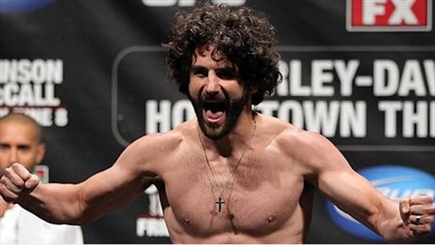 Brenneman shows he's still a true MMA pro