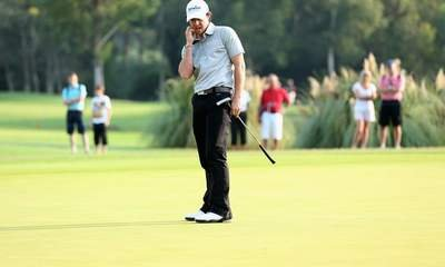 McIlroy Walks Off Course