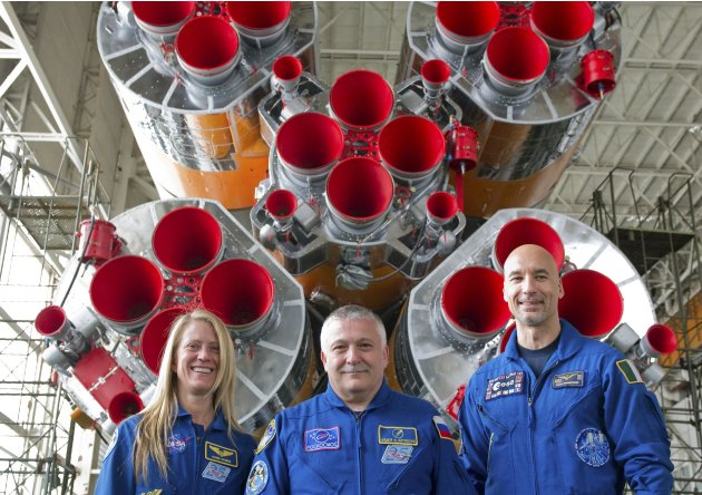 Parmitano, Nyberg and Yurchikhin pose for a picture at Baikonur
