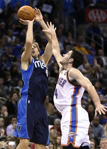 Durant leads Thunder past Mavericks 104-102