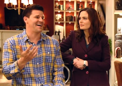Exclusive Video: Bones' David Boreanaz and Emily Deschanel on Setting an End Date; Plus — Booth and Brennan Go [Spoiler] Shopping!