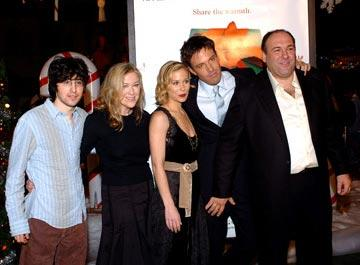 Premiere: Josh Zuckerman, Catherine O'Hara, Christina Applegate, Ben Affleck and James Gandolfini at the Hollywood premiere of Dreamworks' Surviving Christmas - 10/14/2004 Photos: www.wireimage.com/