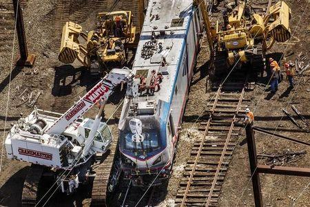 Amtrak to install cameras to monitor train engineers after crash