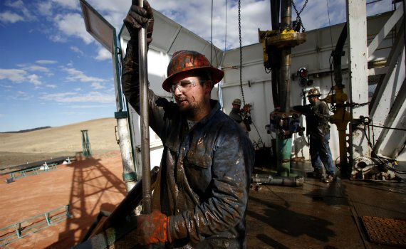 570_Oil_Rig_Roughneck_Worker_Reuters.jpg