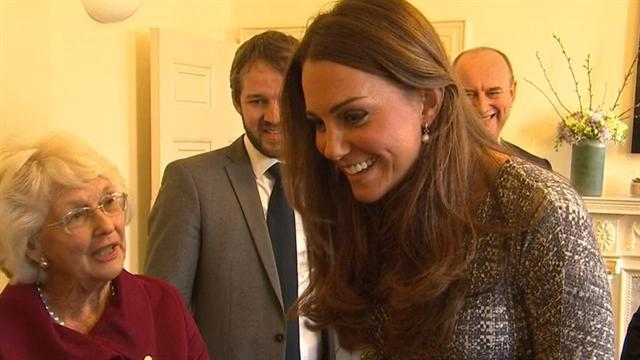 Pregnant Kate visits women battling addiction