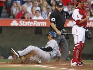 Trumbo's HR ends Angels' wild 9-8 win over Yankees