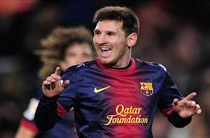 Messi extends Barcelona contract until 2018