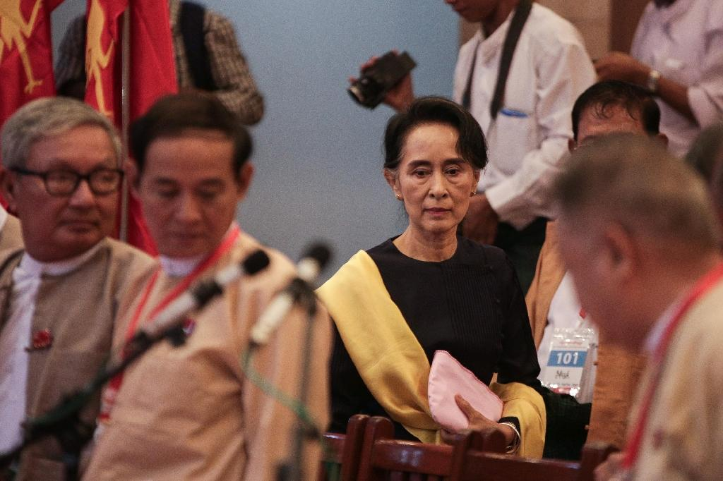 Suu Kyi lays down law on party discipline to new Myanmar MPs