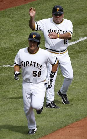 Morneau's single leads Pittsburgh over Cubs 3-2