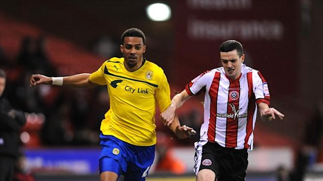 Jamie Murphy's effort was enough to send Sheffield United top of npower League One