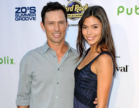Burn Notice&#39;s Jeffrey Donovan Engaged to Michelle Woods!