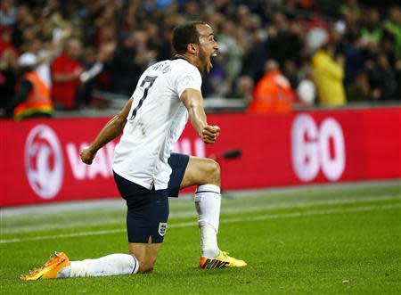 England s andros townsend celebrates scoring his team s third goal