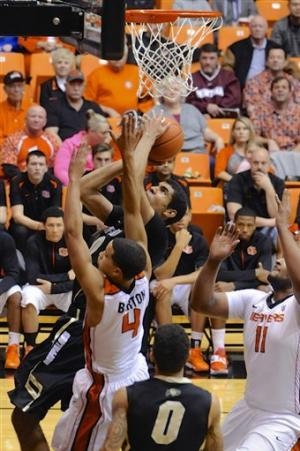 Dinwiddie leads Colorado past Oregon State 72-68