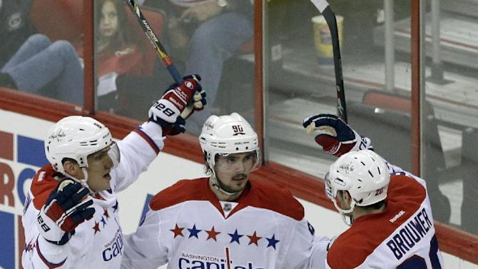 Power play lifts Capitals past Carolina, 4-2