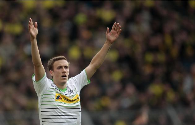 Borussia Moenchengladbach's Kruse celebrates a goal against Borussia Dortmund during the German first division Bundesliga soccer match in Dortmund