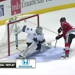 Patrick Sharp dazzles on penalty shot