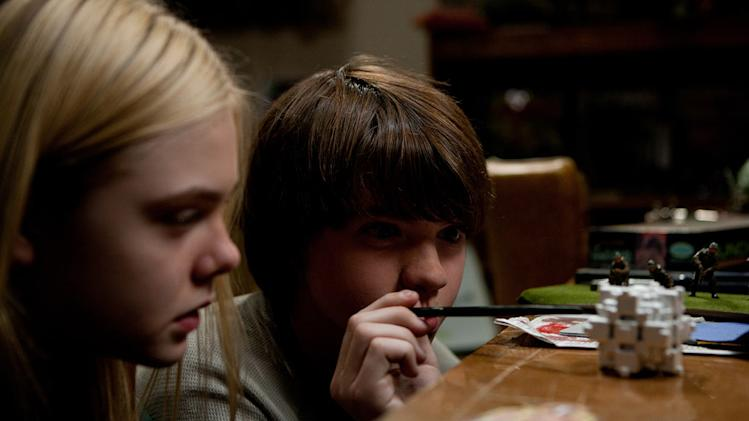 Super 8 Paramount Pictures 2011 Elle Fanning Joel Courtney