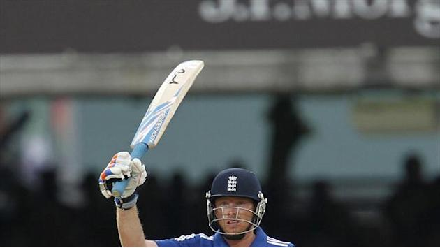 Cricket - Bell ton steers England to victory