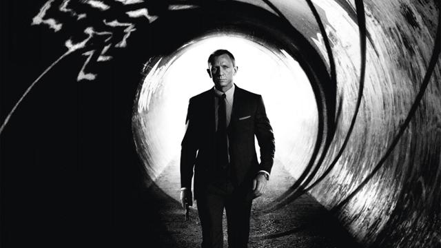 'Skyfall' Draws Mixed Reviews, While Ebert Tweets Glowing Remark