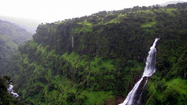 Travel Waterfalls Thosegarh Maharashtra