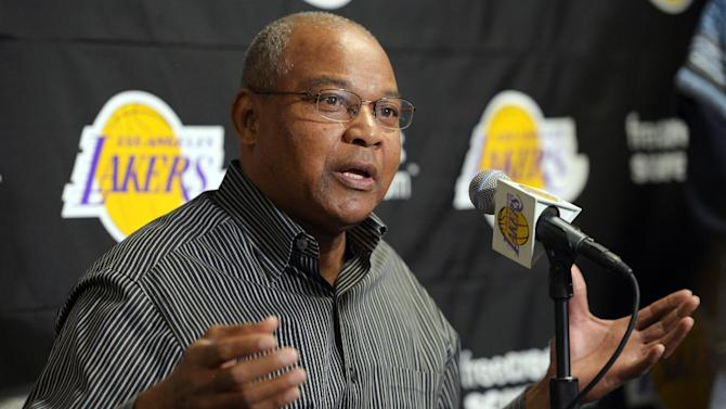 Los Angeles Lakers interim head coach Bernie Bickerstaff speaks during a news conference, Friday, Nov. 9, 2012, prior to their NBA basketball game against the Golden State Warriors in Los Angeles. Bickerstaff is sitting in as head coach while the Lakers search for a replacement for Mike Brown who was fired earlier today. (AP Photo/Mark J. Terrill)