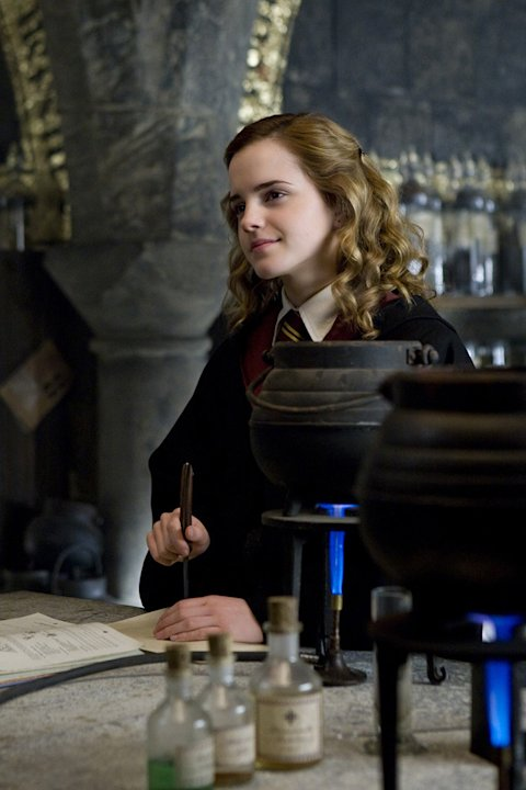 Harry Potter and the Half Blood Prince Production Photos Warner Brothers 2009 Emma Watson